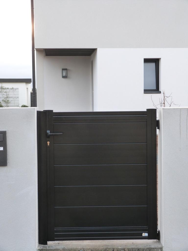 portillon alu noir fabricant portail alu coulissant portillon alu noir portillon sib en alu. Black Bedroom Furniture Sets. Home Design Ideas
